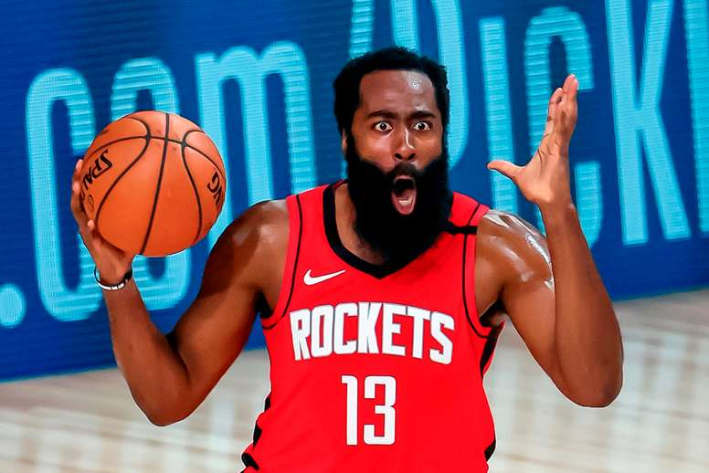 El jugador de los Houston Rockets James Harden durante su partido. EFE/EPA/ERIK S. LESSER
