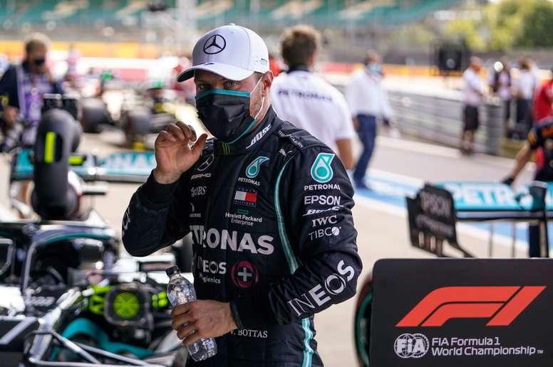 El finlandés Valtteri Bottas (Mercedes), segundo en la sesión de calificación del Gran Premio de Gran Bretaña de Fórmula Uno. EFE/EPA/Will Oliver / Pool