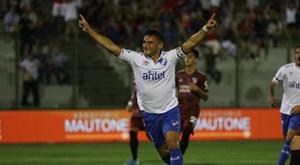 Naciona y Peñarol ya piensan en el 'Clásico'. EFE
