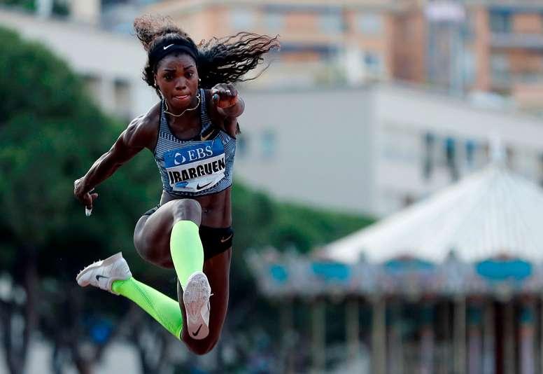 En la imagen, la campeona olímpica vigente de triple salto, Caterine Ibargüen. EFE/Sebastien Nogier/Archivo