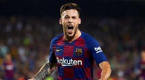 Carles Pérez tacle le FC Barcelone. efe