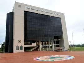 La Federación Ecuatoriana de Fútbol exige soluciones a la CONMEBOL y la FIFA. EFE