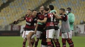 Veja como está a volta da torcida para os estádios no Brasil. EFE/Antonio Lacerda