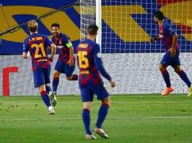 Messi marcou um gol, teve outro anulado e provocou pênalti contra o Napoli. EFE/Enric Fontcuberta