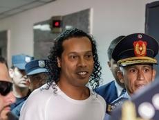Ronaldinho podría obtener su libertad a finales de agosto. EFE