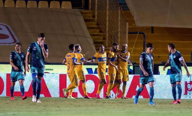 Tigres, León y Necaxa vencen en la jornada del martes. EFE/Miguel Sierra