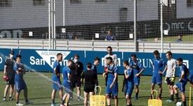 Osasuna entrenó a un día de recibir al Eibar en el partido amistoso. EFE/Jesús Diges