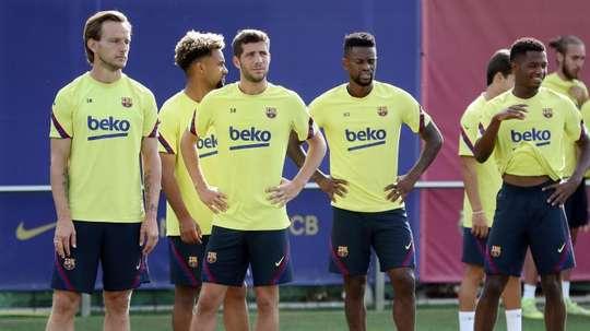 O Barça divulga um positivo para COVID-19 no seu elenco. EFE