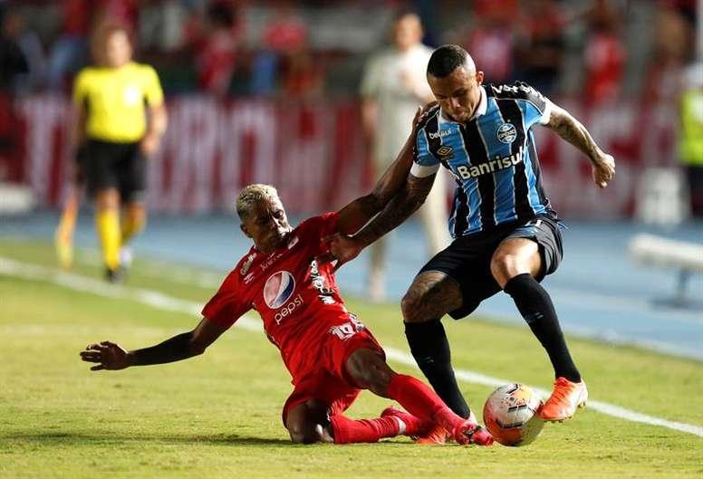 Everton se despidió y está a punto de firmar por el Benfica. EFE