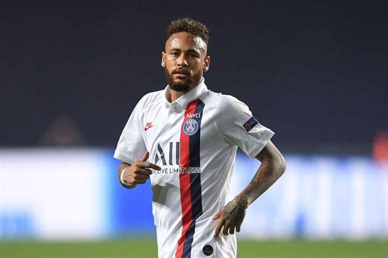 Confira a música que Neymar ouviu antes de PSG e Atalanta. EFE/EPA/David Ramos