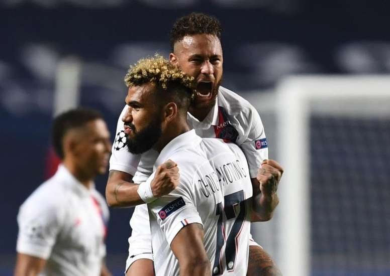 Neymar will play against a brand who pay him lots of money. EFE