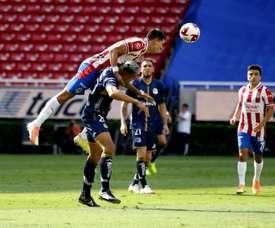Chivas le regala a Vucetich su primera victoria. EFE/Francisco Guasco