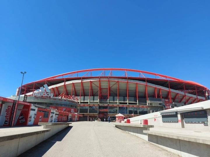 Lleno (con asterisco) en Da Luz para el Benfica-Barça. EFE