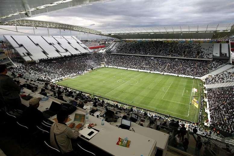 Lesão afasta Mantuan de sua chance no Corinthians. EFE/Sebastiao Moreira
