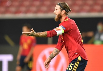 Sergio Ramos ficou no banco de reservas contra a Geórgia. EFE/EPA/Philipp Guelland/Arquivo