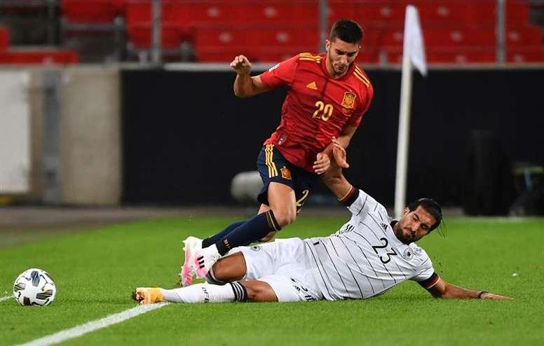 El United pensó en Ferran como alternativa a Sancho. EFE