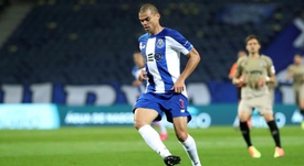 Pepe financial problems when he began his career. EFE