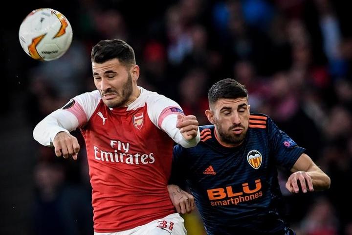 Kolasinac está a ponto de chegar no futebol turco. EFE/ Neil Hall