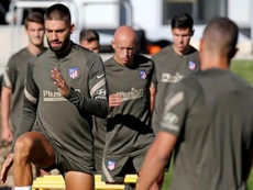 Carrasco ya es propiedad del Atlético y promete dar el 100% por el escudo. EFE