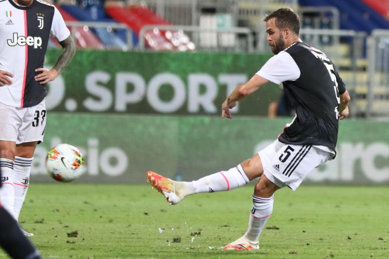 Pjanic, chutando con la Juventus