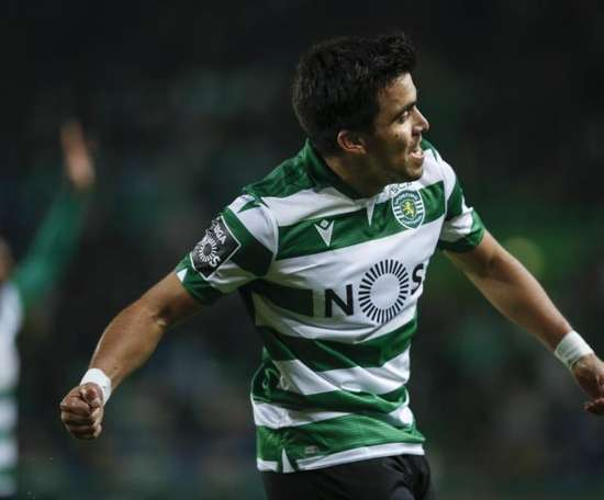 Sevilla confirma a contratação de Marcos Acuña. EFE