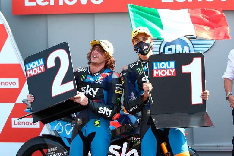 El piloto italiano de Moto2, Luca Marini (SKY Racing Team VR46) celebraba su victoria en la carrera de esta categoría del Gran Premio Red Bull de España, disputado en el Circuito de Jerez-Ángel Nieto, el pasado 19 de julio. EFE/Román Ríos/Archivo