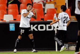 Maxi Gómez comanda o Valencia e complica o time de Ronaldo. AFP