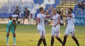 El Sevilla ganó con debut y gol de Rakitic. EFE