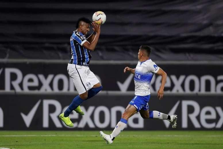 Universidad Católica resbala en la resaca de la Libertadores. EFE