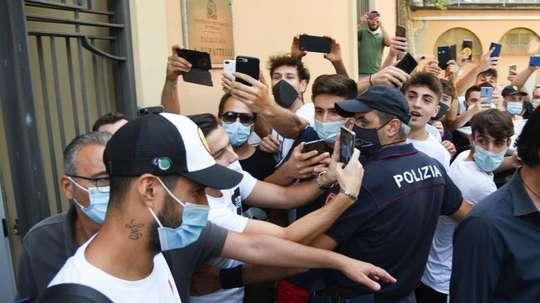 Mais problemas com o exame de cidadania italiana de Suárez. EFE/EPA/CROCCHIONI
