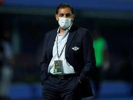 Ramón Díaz deja de ser entrenador de Libertad. EFE