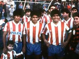 Los Maradona vistieron un día la camiseta del Granada. EFE