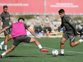 Suárez treina com o foco no Huesca. EFE/ ATLETICODEMADRID.COM