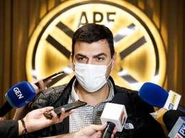 Le acusan de manipulación de partidos y falta de cooperación. EFE
