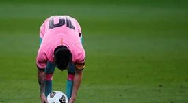 Messi toma el mando y motiva al vestuario. EFE
