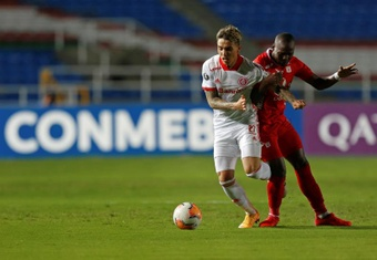 Taison e Saravia desfalcam Inter contra o Olimpia. EFE