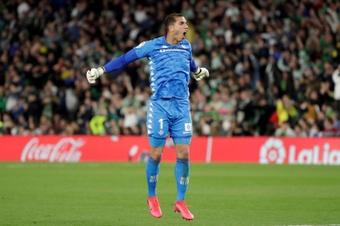 Espanyol have their eyes on Joel Robles. EFE