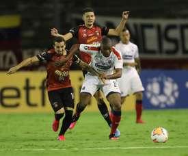 Independiente Medellín frena a un Caracas que terminó con ocho. EFE