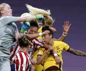 Vuelve el fútbol femenino tras tres meses de parón. EFE