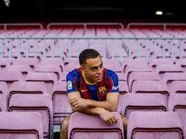 Dest, interrogé sur ses débuts au Barça. EFE