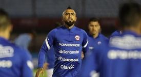 El mensaje de Vidal a James, Murillo y Yerry Mina tras el 2-2. EFE/Raúl Martínez
