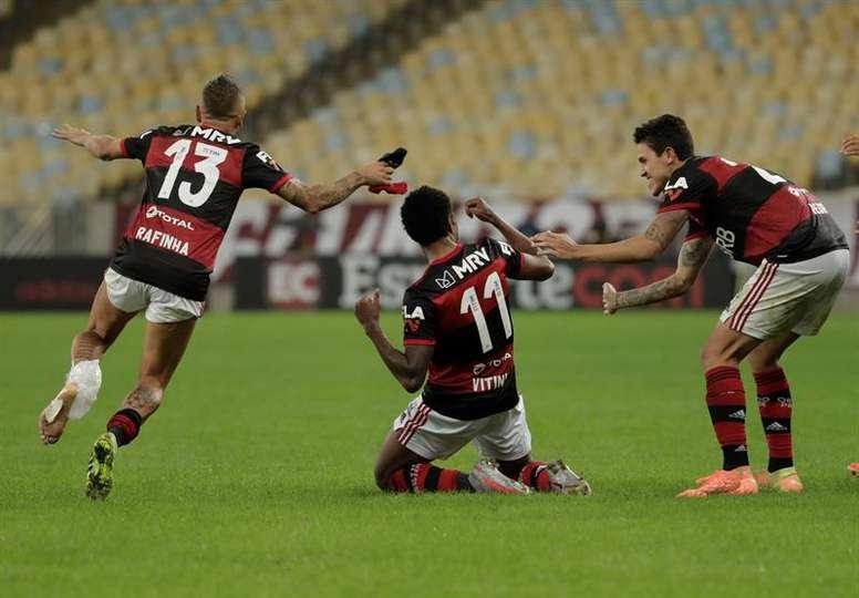 Internacional y Flamengo cumplen; Palmeiras sigue en caída libre. EFE