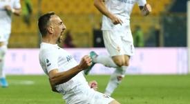 Callejón, como loco por jugar junto a Ribéry. EFE