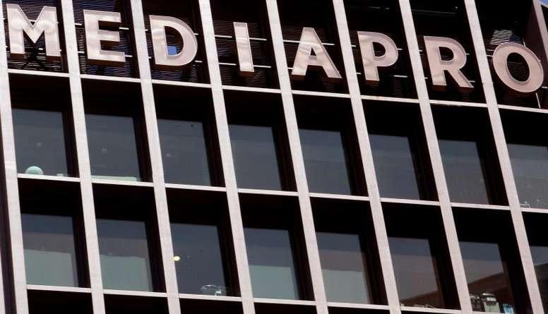 Qui sortira vainqueur du bras de fer entre Mediapro et le foot français ?. EFE