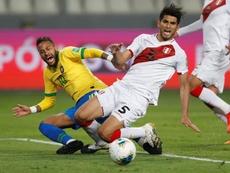 Carlos Zambrano cargó contra Neymar. EFE/Archivo
