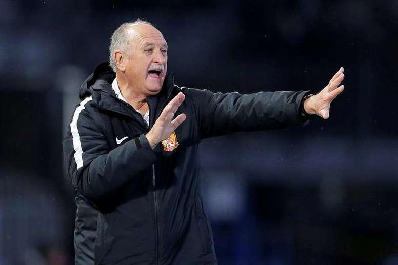 Scolari podría dejar de ser el técnico de Cruzeiro por motivos económicos. EFE