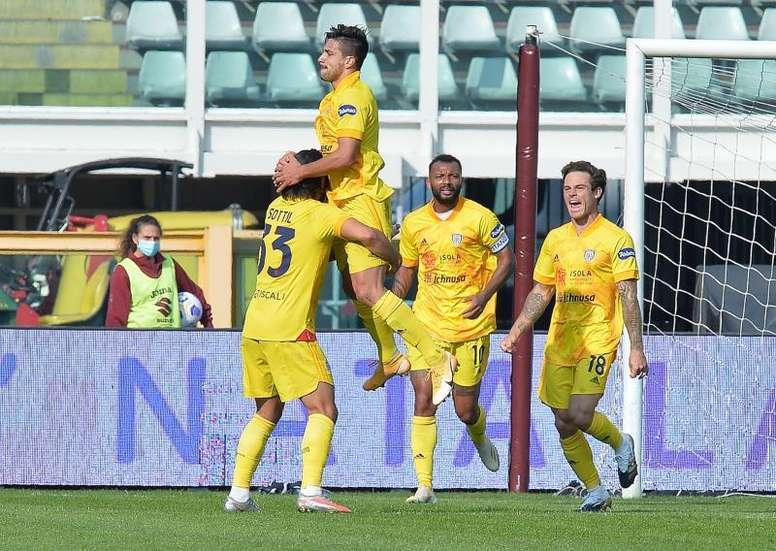 Gio Simeone sigue mostrando su olfato de gol en Italia. EFE