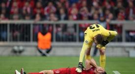 Tremendo duelo entre Lewandowski y Oblak. EFE