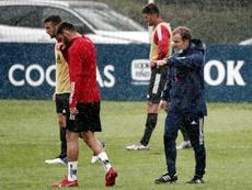 Arraste organizó un entrenamiento para siete jugadores. EFE