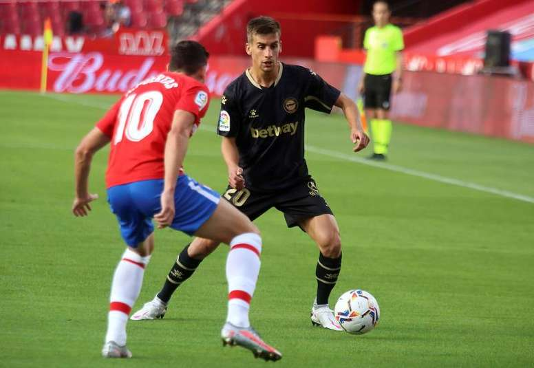 Pere Pons sufre una fractura en el segundo metatarsiano del pie derecho. EFE